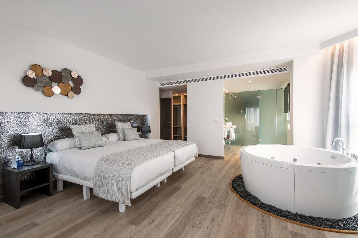 alto turismo oliva nova resort de 5 estrellas. vacaciones en españa.